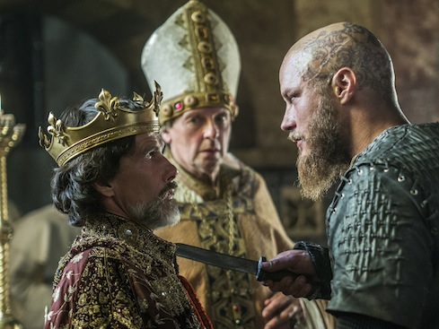 episode-10-season-3-of-history-channels-vikings-ragar-takes-paris.jpg