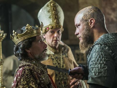 episode-10-season-3-of-history-channels-vikings-ragar-takes-paris.jpg